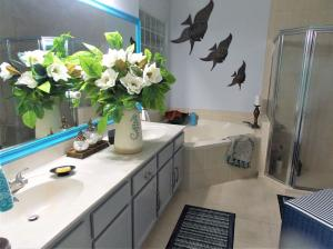 Additional photo for property listing at 221 Preserve Court 221 Preserve Court Royal Palm Beach, Florida 33411 États-Unis