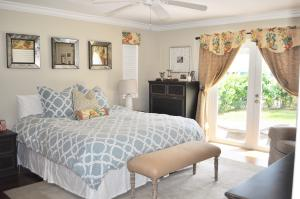 Additional photo for property listing at 222 S Seacrest Circle 222 S Seacrest Circle Delray Beach, Florida 33444 Vereinigte Staaten