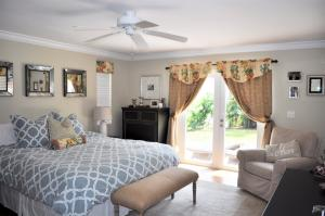 Additional photo for property listing at 222 S Seacrest Circle 222 S Seacrest Circle Delray Beach, Florida 33444 United States