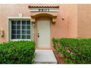 联栋屋 为 出租 在 9807 Kamena Circle 9807 Kamena Circle 博因顿海滩, 佛罗里达州 33436 美国