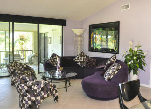 Additional photo for property listing at 31 Eastgate Drive 31 Eastgate Drive Boynton Beach, Florida 33436 United States