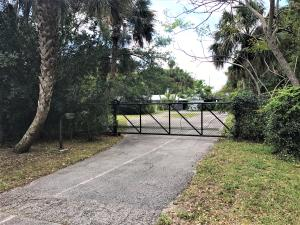 Single Family Home for Sale at 14252 SW Canal Road 14252 SW Canal Road Indiantown, Florida 34956 United States