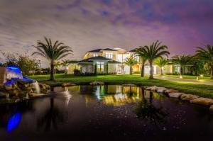 Casa para uma família para Venda às 9510 Bent Grass Court 9510 Bent Grass Court Delray Beach, Florida 33446 Estados Unidos
