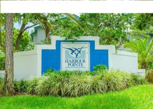 Condominium for Rent at 102 Harbour Pointe Way 102 Harbour Pointe Way Greenacres, Florida 33413 United States