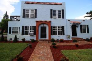 Einfamilienhaus für Mieten beim 2405 Georgia Avenue 2405 Georgia Avenue West Palm Beach, Florida 33401 Vereinigte Staaten