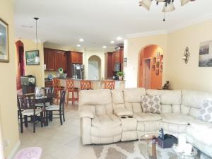Additional photo for property listing at 3121 SW Collings Drive 3121 SW Collings Drive Port St. Lucie, Florida 34953 United States