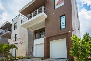 Casa para uma família para Venda às 348 Balboa Street 348 Balboa Street Hollywood, Florida 33019 Estados Unidos