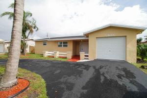 Casa para uma família para Locação às 5986 NW 15 Court 5986 NW 15 Court Sunrise, Florida 33313 Estados Unidos