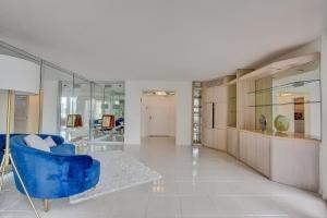 Additional photo for property listing at 140 SE 5th Avenue 140 SE 5th Avenue Boca Raton, Florida 33432 États-Unis