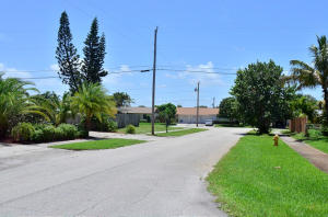 Additional photo for property listing at 738 S 11th Street 738 S 11th Street Lantana, Florida 33462 Estados Unidos