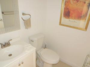 Additional photo for property listing at 598 Brittany M 598 Brittany M 德尔雷比奇海滩, 佛罗里达州 33446 美国
