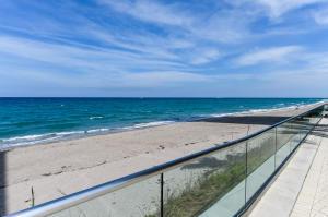 شقة بعمارة للـ Rent في 5440 N Ocean Drive 5440 N Ocean Drive Singer Island, Florida 33404 United States