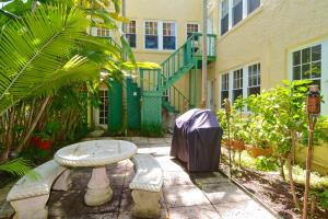 Additional photo for property listing at 226 Oleander Avenue 226 Oleander Avenue Palm Beach, Florida 33480 Vereinigte Staaten