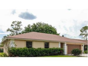 Casa para uma família para Locação às 109 Parkwood Drive 109 Parkwood Drive Royal Palm Beach, Florida 33411 Estados Unidos