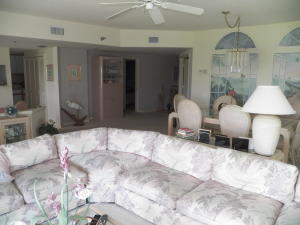 Additional photo for property listing at 145 NE Edgewater Drive 145 NE Edgewater Drive Stuart, Florida 34996 United States