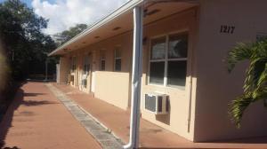 Einfamilienhaus für Mieten beim 1217 S N Street 1217 S N Street Lake Worth, Florida 33460 Vereinigte Staaten