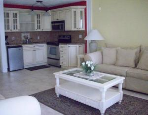 Additional photo for property listing at 302 Camden M 302 Camden M West Palm Beach, Florida 33417 Vereinigte Staaten