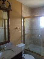 Additional photo for property listing at 765 Ryanwood Drive 765 Ryanwood Drive West Palm Beach, Florida 33413 États-Unis