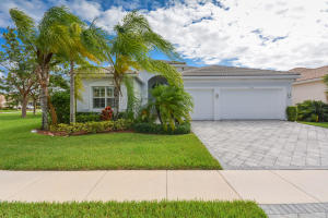 Single Family Home for Sale at 9699 Dovetree Isle Drive 9699 Dovetree Isle Drive Boynton Beach, Florida 33473 United States