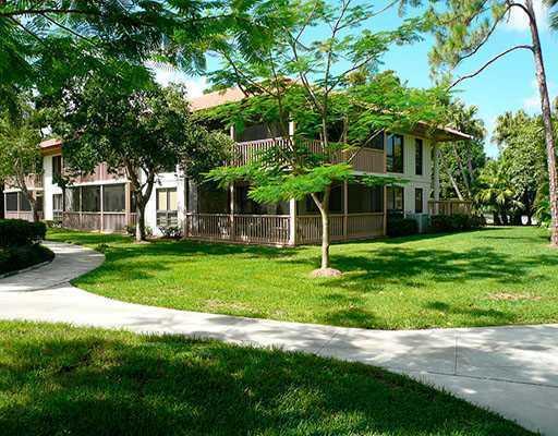 105 Brackenwood Road 105, Palm Beach Gardens, Florida 33418, 2 Bedrooms Bedrooms, ,2 BathroomsBathrooms,F,Condominium,Brackenwood,RX-10370427