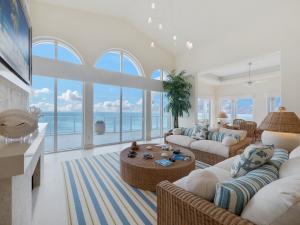 Condominio por un Venta en 3000 S Ocean Boulevard 3000 S Ocean Boulevard Palm Beach, Florida 33480 Estados Unidos