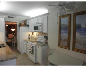 Additional photo for property listing at 4200 N Ocean Drive 4200 N Ocean Drive Singer Island, Florida 33404 Estados Unidos