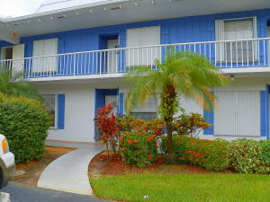 Condominio por un Alquiler en 1858 SW Palm City Road 1858 SW Palm City Road Stuart, Florida 34994 Estados Unidos