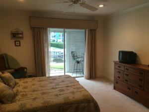 Additional photo for property listing at 1858 SW Palm City Road 1858 SW Palm City Road Stuart, Florida 34994 United States