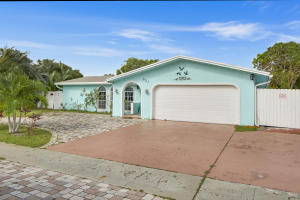 Additional photo for property listing at 647 SW 17th Court 647 SW 17th Court Boca Raton, Florida 33486 United States