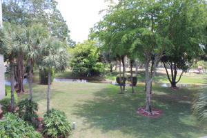 Additional photo for property listing at 12568 Shoreline Drive 12568 Shoreline Drive Wellington, Florida 33414 United States