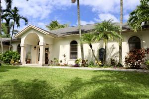 Maison unifamiliale pour l Vente à 8353 155th Place 8353 155th Place Palm Beach Gardens, Florida 33418 États-Unis