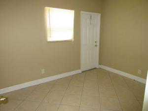Additional photo for property listing at JEFFERSON MANOR  Delray Beach, Florida 33444 Estados Unidos