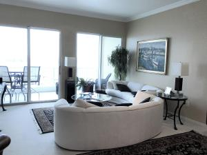Condominium for Rent at 806 E Windward Way 806 E Windward Way Lantana, Florida 33462 United States