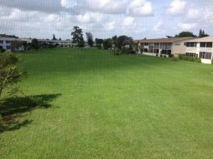 شقة بعمارة للـ Rent في 169 Berkshire H 169 Berkshire H West Palm Beach, Florida 33417 United States