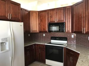 Additional photo for property listing at 6292 Shadow Tree Lane 6292 Shadow Tree Lane Lake Worth, Florida 33463 United States