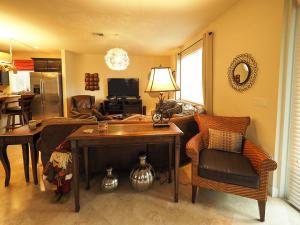 Additional photo for property listing at 105 NW Gardner Street 105 NW Gardner Street Boca Raton, Florida 33432 United States