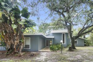Casa Unifamiliar por un Venta en 8516 Thousand Pines Court 8516 Thousand Pines Court West Palm Beach, Florida 33411 Estados Unidos