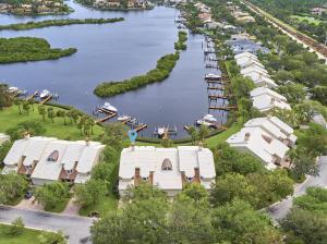 Admirals Cove