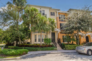 Townhouse for Rent at 535 N Mallory Circle 535 N Mallory Circle Delray Beach, Florida 33483 United States