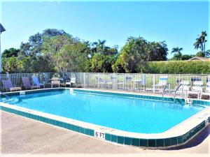 Additional photo for property listing at 10821 N Military Trail 10821 N Military Trail Palm Beach Gardens, Florida 33410 États-Unis