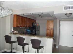 شقة بعمارة للـ Rent في PARKER PLAZA, 2030 S Ocean Drive 2030 S Ocean Drive Hallandale Beach, Florida 33009 United States