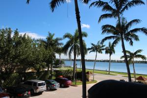 Condominium for Rent at 1801 Flagler Drive 1801 Flagler Drive West Palm Beach, Florida 33407 United States