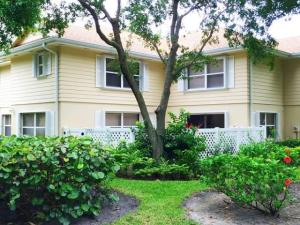Townhouse for Rent at 8156 Chelsea Court 8156 Chelsea Court Lake Clarke Shores, Florida 33406 United States