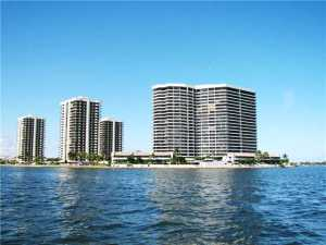 شقة بعمارة للـ Rent في 100 Lakeshore Drive 100 Lakeshore Drive North Palm Beach, Florida 33408 United States