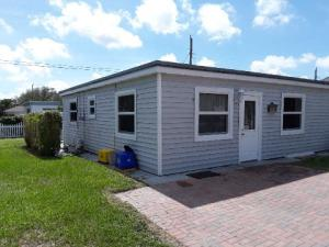 Single Family Home for Rent at 2014 N Suzanne Circle 2014 N Suzanne Circle North Palm Beach, Florida 33408 United States
