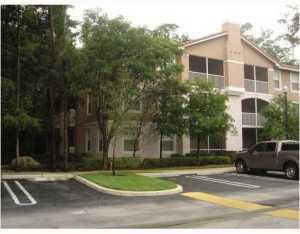 Condominio por un Alquiler en Cypress Pointe, 6860 W Sample Road 6860 W Sample Road Coral Springs, Florida 33067 Estados Unidos