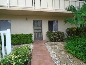共管式独立产权公寓 为 出租 在 HUNTINGTON LAKES, 7006 Huntington Lane 7006 Huntington Lane 德尔雷比奇海滩, 佛罗里达州 33446 美国
