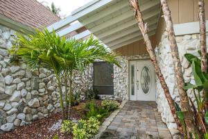 Additional photo for property listing at 730 Bluebird Lane 730 Bluebird Lane Plantation, Florida 33324 Vereinigte Staaten