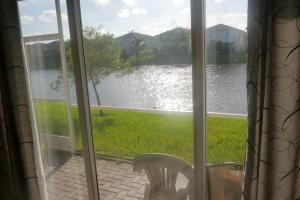 Additional photo for property listing at 2158 Oakmont Drive 2158 Oakmont Drive Riviera Beach, 佛罗里达州 33404 美国