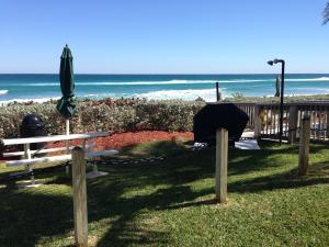 Additional photo for property listing at 1149 Hillsboro Mile 1149 Hillsboro Mile Hillsboro Beach, Florida 33062 United States